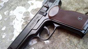 Сколько стоит получить разрешение на оружие в России