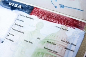 Сколько стоит виза в США и как ее получить